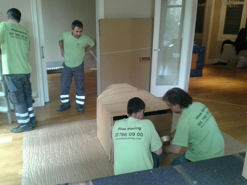 Wrapping of furniture